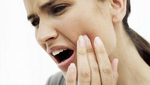 درمان گیاهی دندان درد و تغییر رنگ دندان
